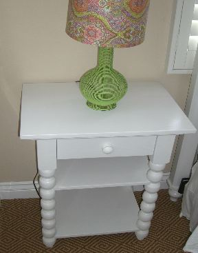 Borboleta Decors Turned Side Table
